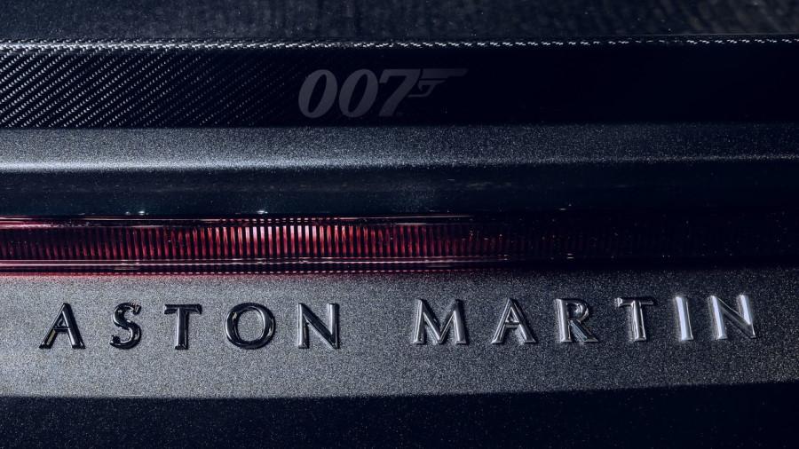 Aston_Martin-DBS_Superleggera_007_Edition-2021-1280-0a