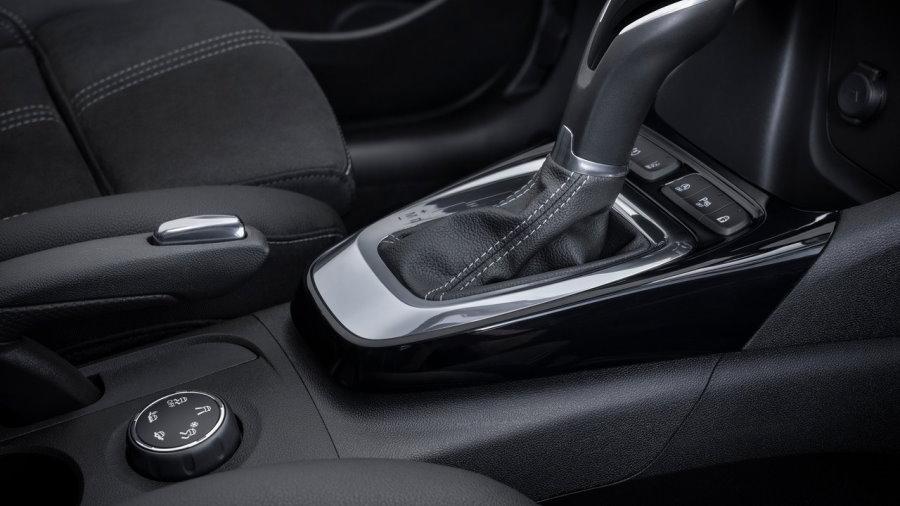 Opel-Crossland-2021-1280-08