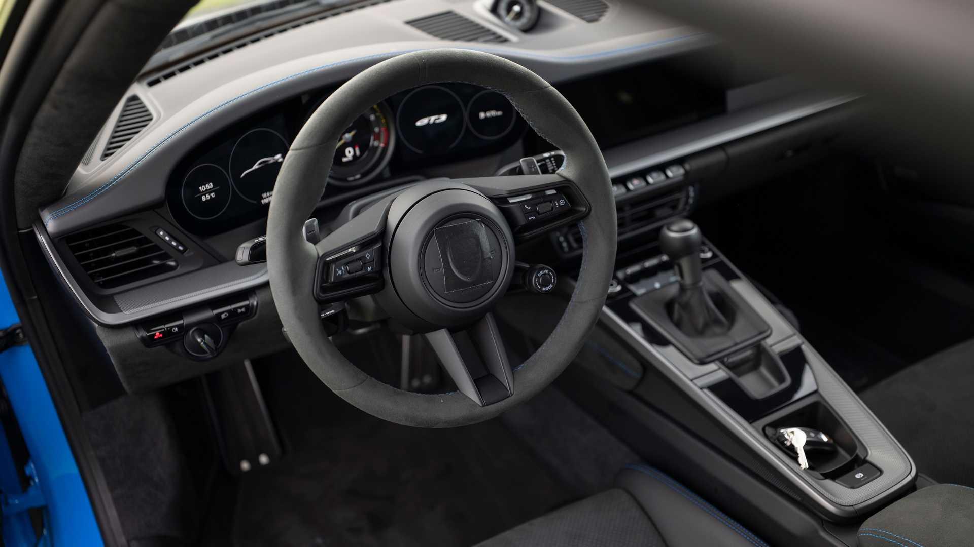 2021-porsche-911-gt3-prototype-driver-s-seat