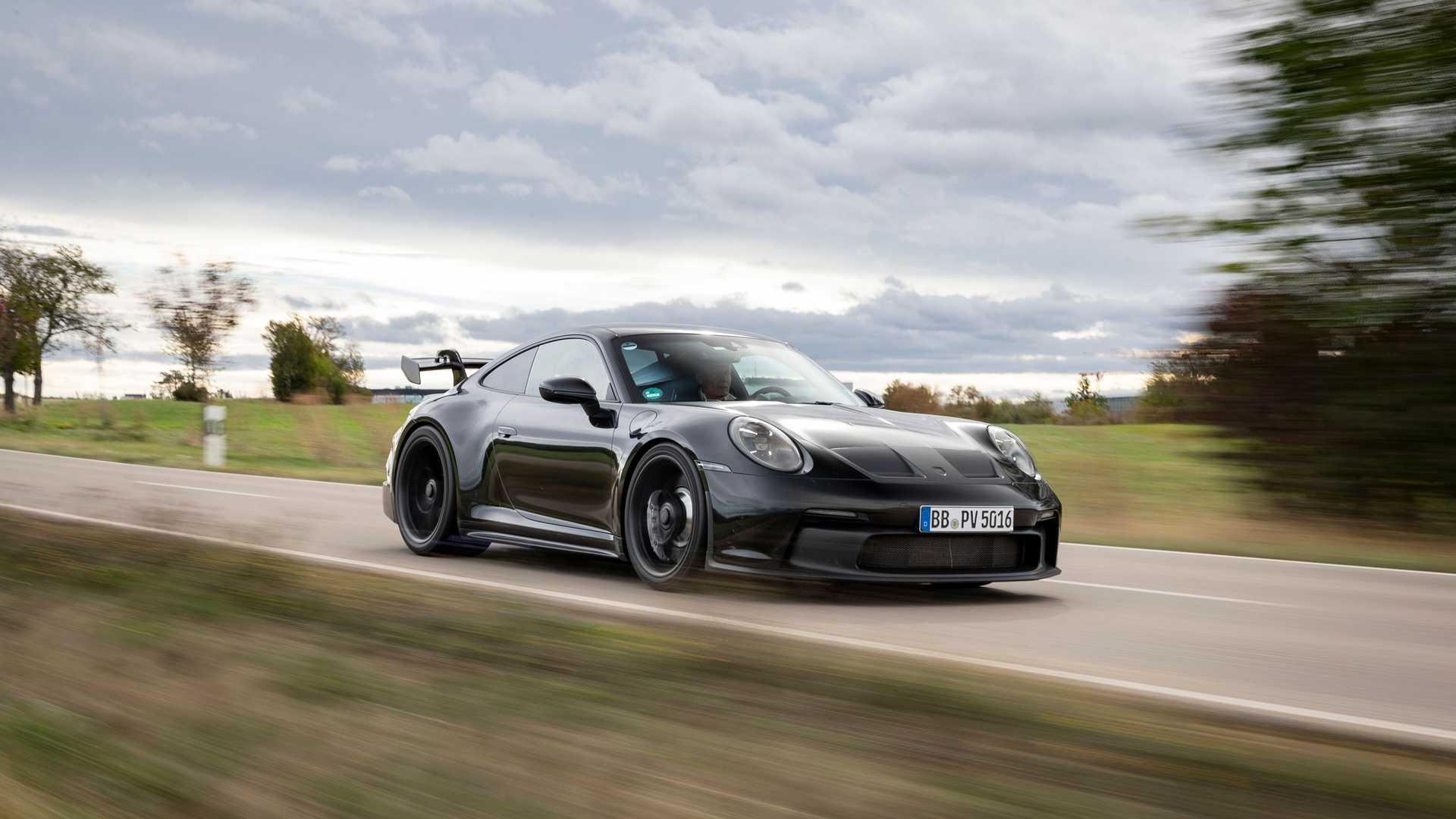 2021-porsche-911-gt3-prototype-front-quarter-tracking