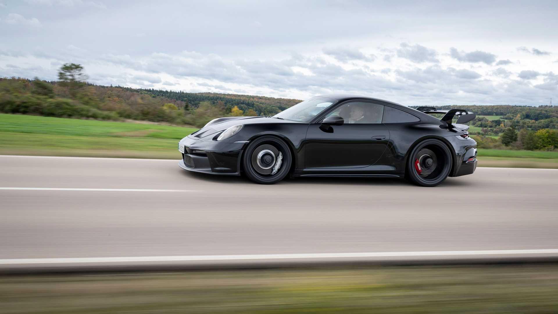2021-porsche-911-gt3-prototype-profile-tracking