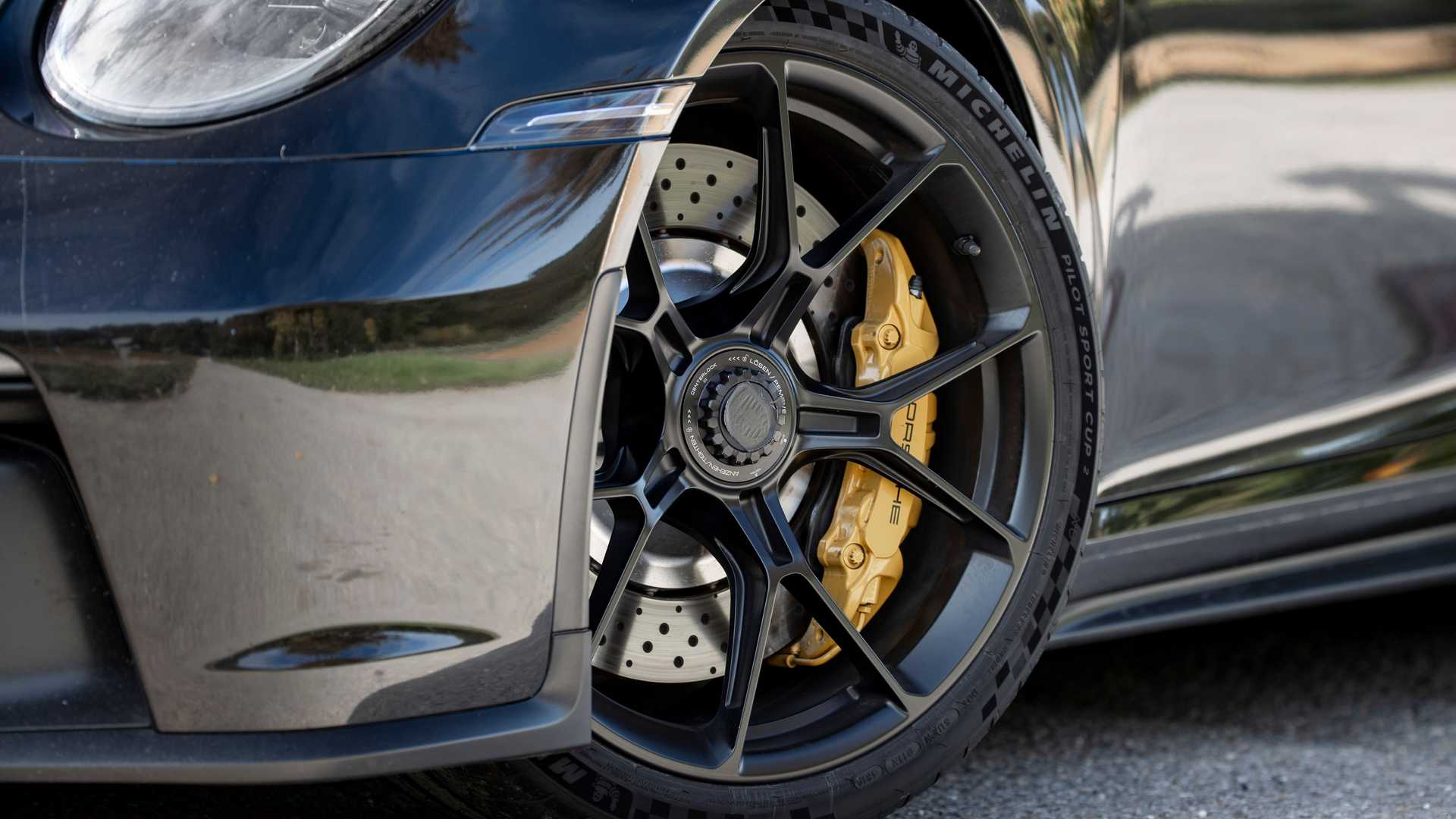 2021-porsche-911-gt3-prototype-wheels-brakes