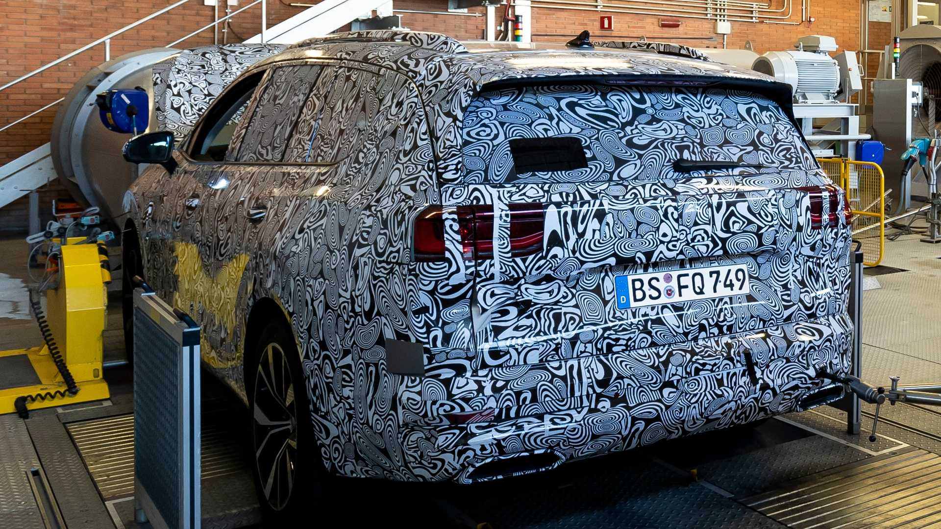 vw-group-new-suv-under-camouflage