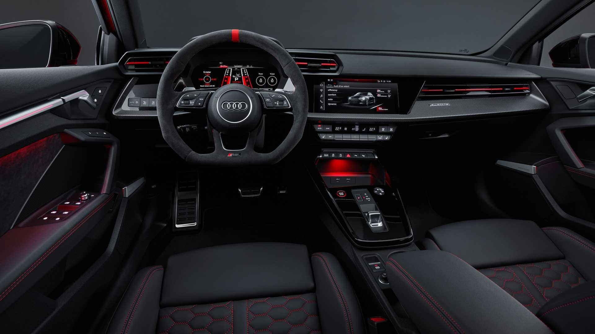 2022-audi-rs3-sportback-interior4