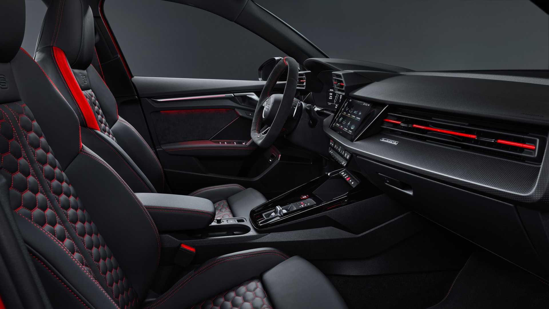 2022-audi-rs3-sportback-interior5
