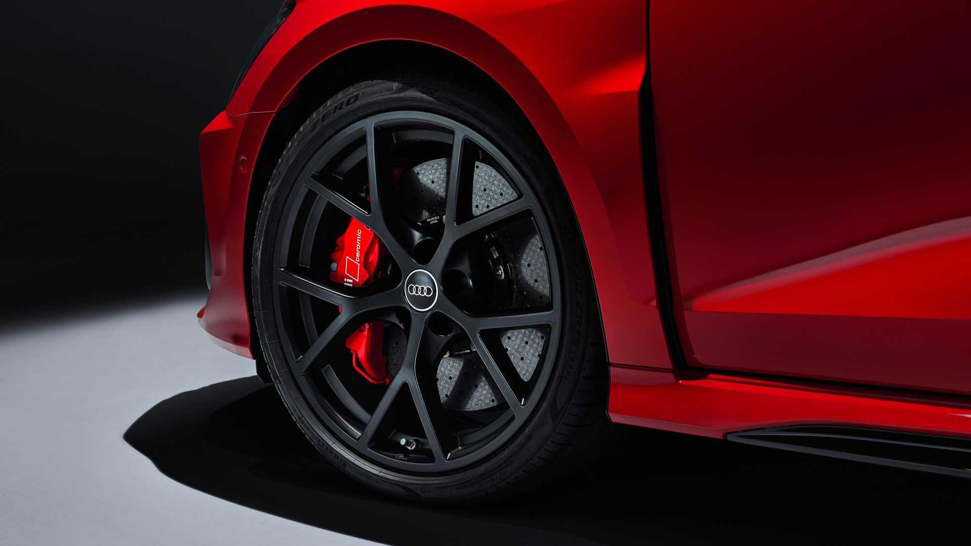 2022-audi-rs3-sportback-wheel